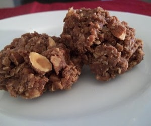 almond no bake cookies 2