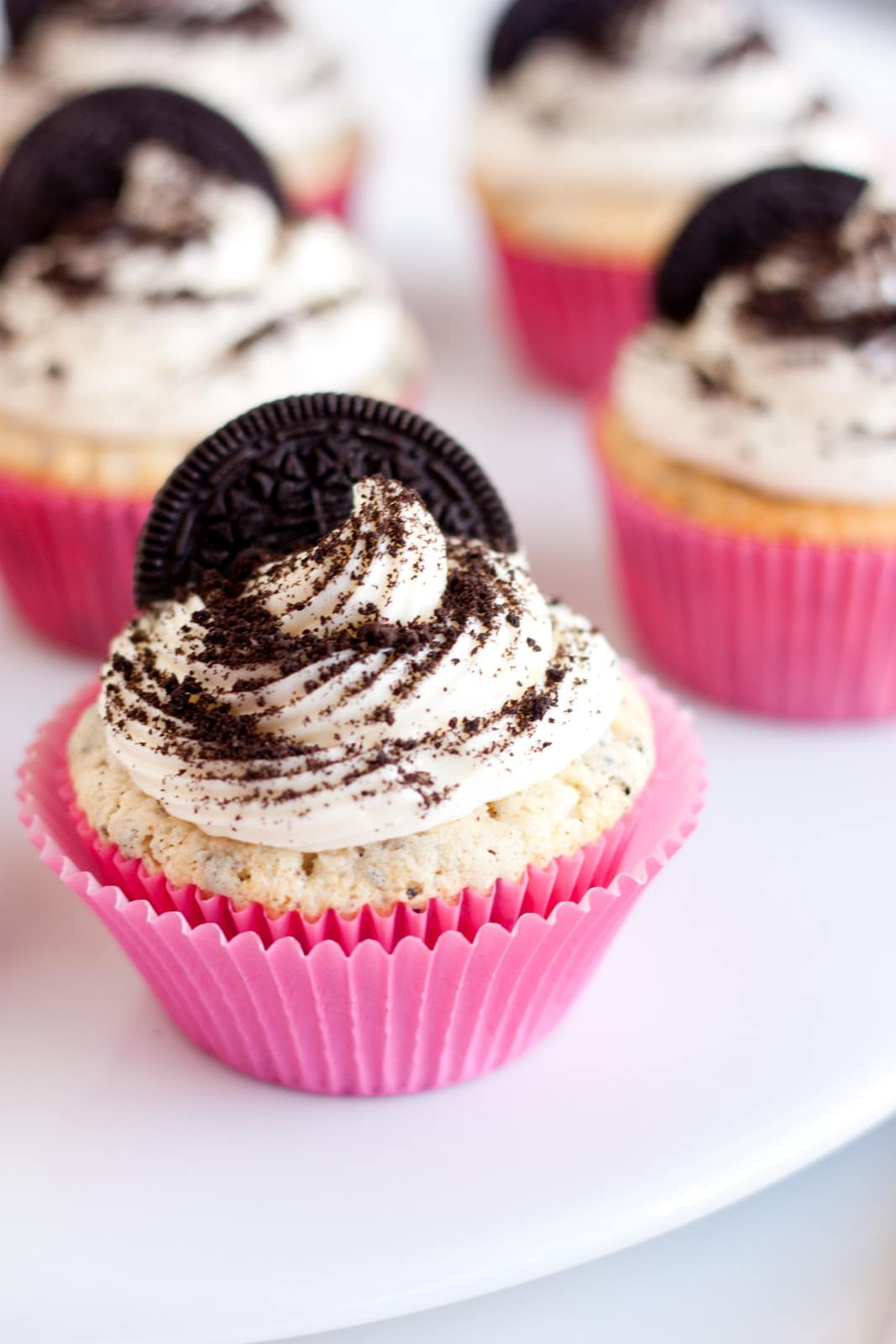 Cookies and Cream Cupcakes - Cooking Classy