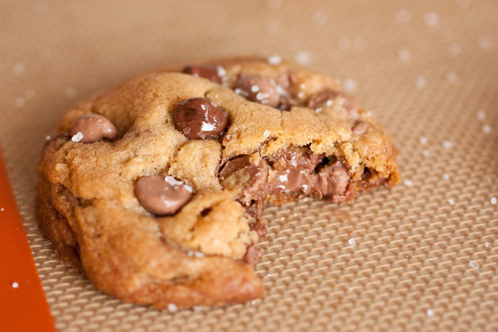 Nutella Stuffed Chocolate Chip Cookies {with Browned Butter, Vanilla ...