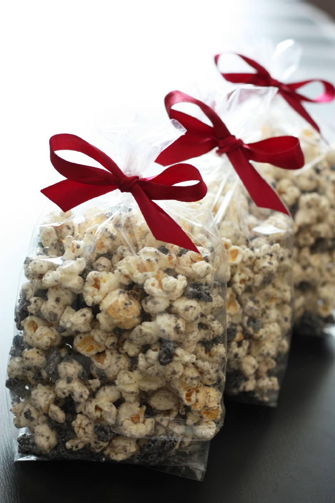Cookies and Cream Popcorn - Cooking Classy