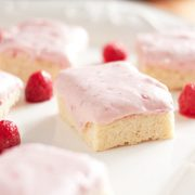 sugar+cookie+squares+with+white+chocolate+raspberry+cheesecake+frosting8