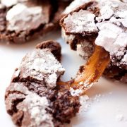 caramel+stuffed+chocolate+crinkle+cookies3