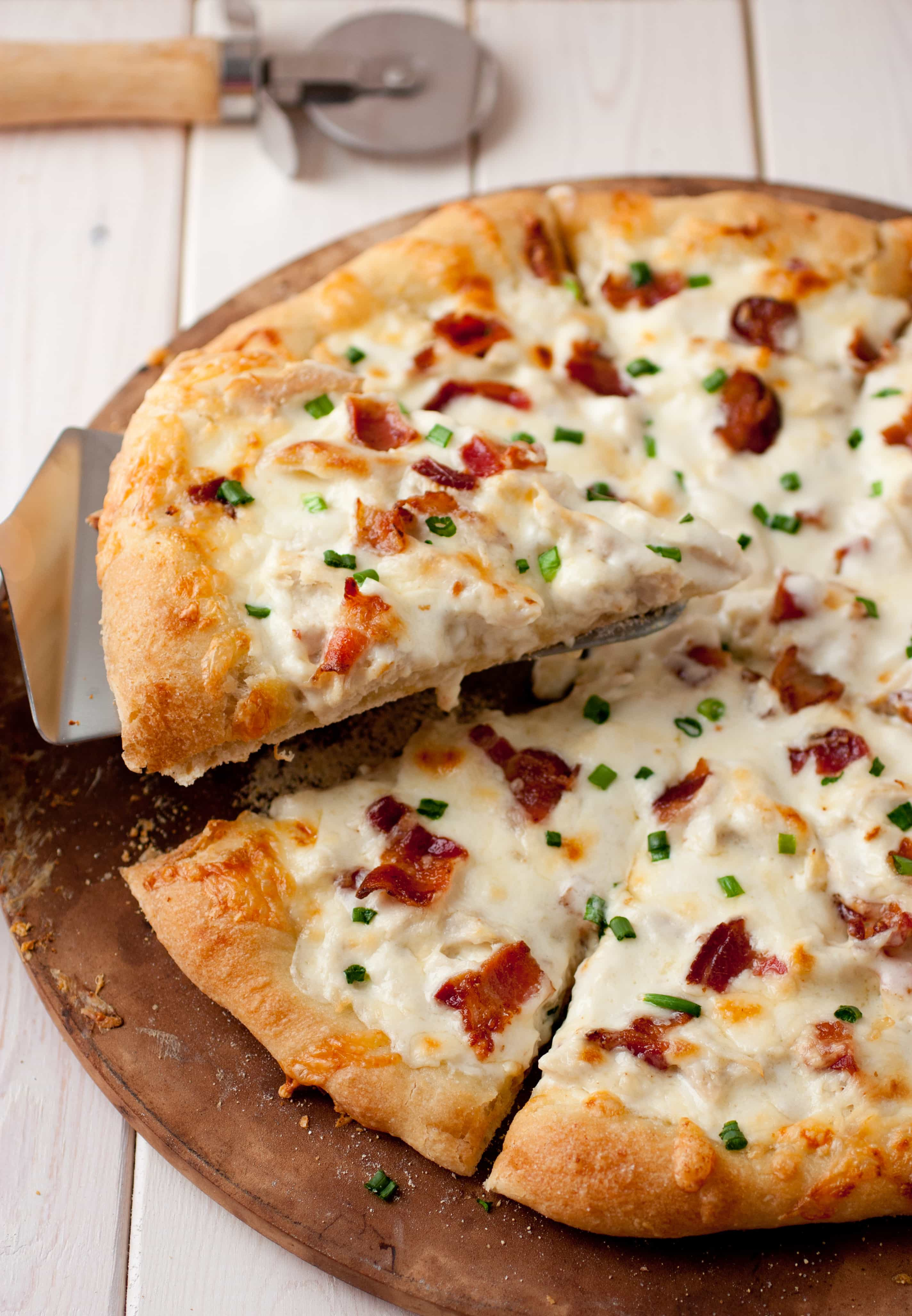chicken alfredo pizza cooking classy. Black Bedroom Furniture Sets. Home Design Ideas