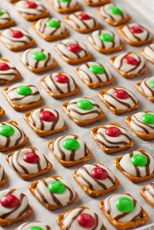 A close up of Christmas Pretzel M&M Hugs