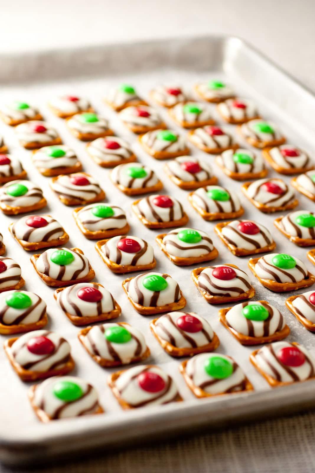 Christmas Pretzel Rings 1 bag of pretzel rings 1 package Hershey s