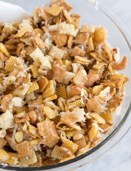 Sweet Holiday Chex Mix