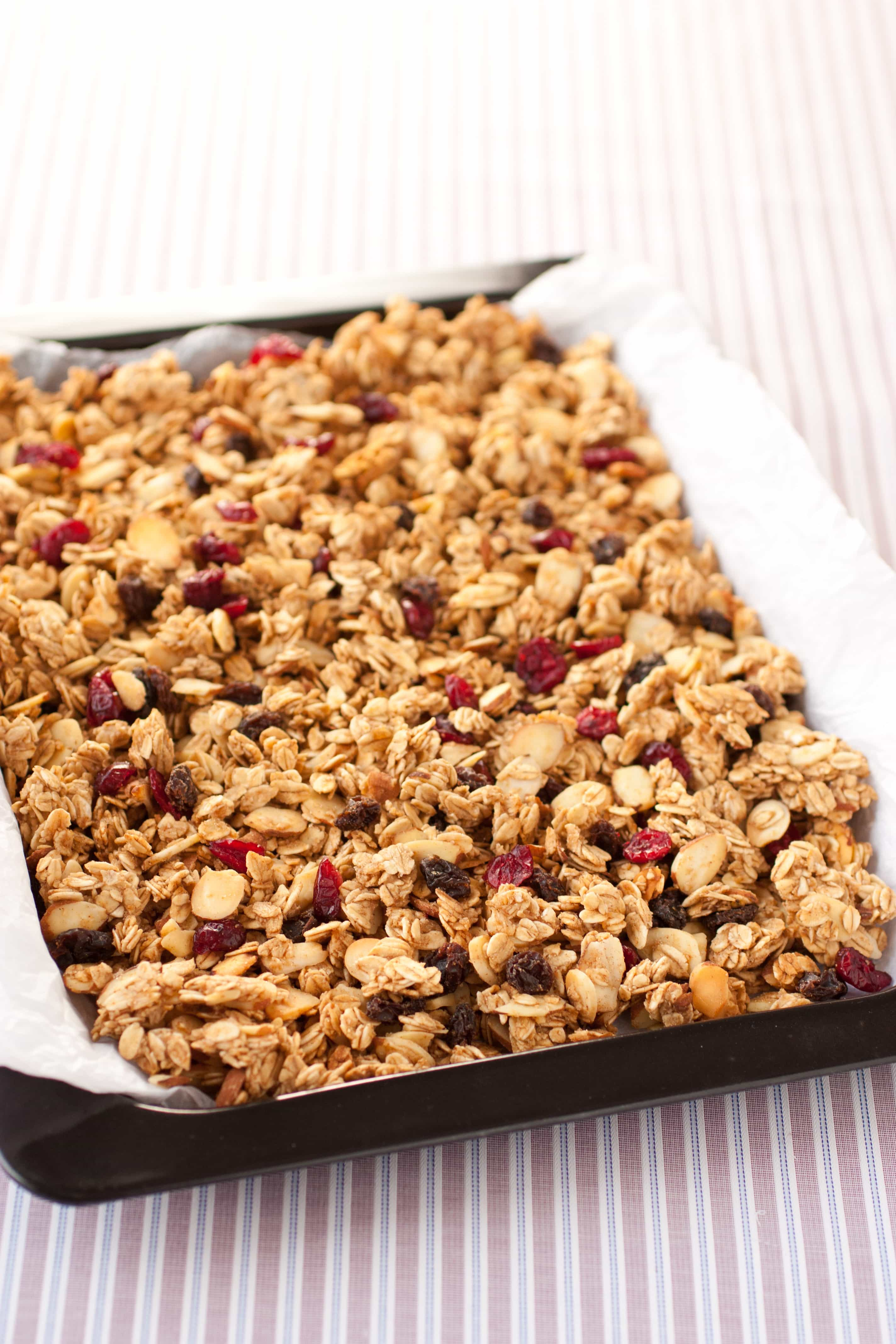 Granola {Without Oil} - Cooking Classy