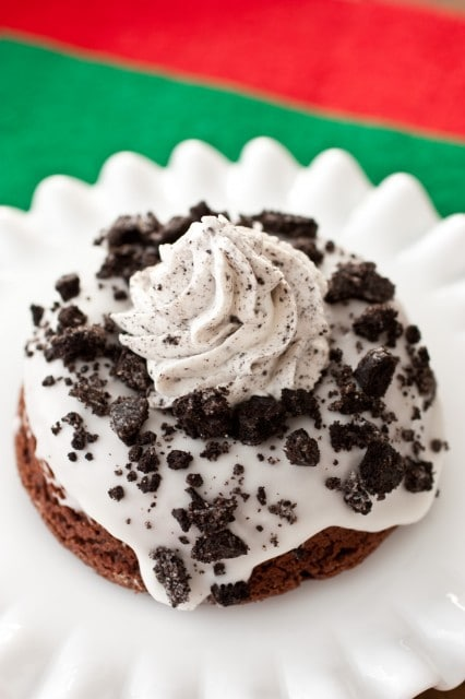 baked cookies and cream doughnuts7