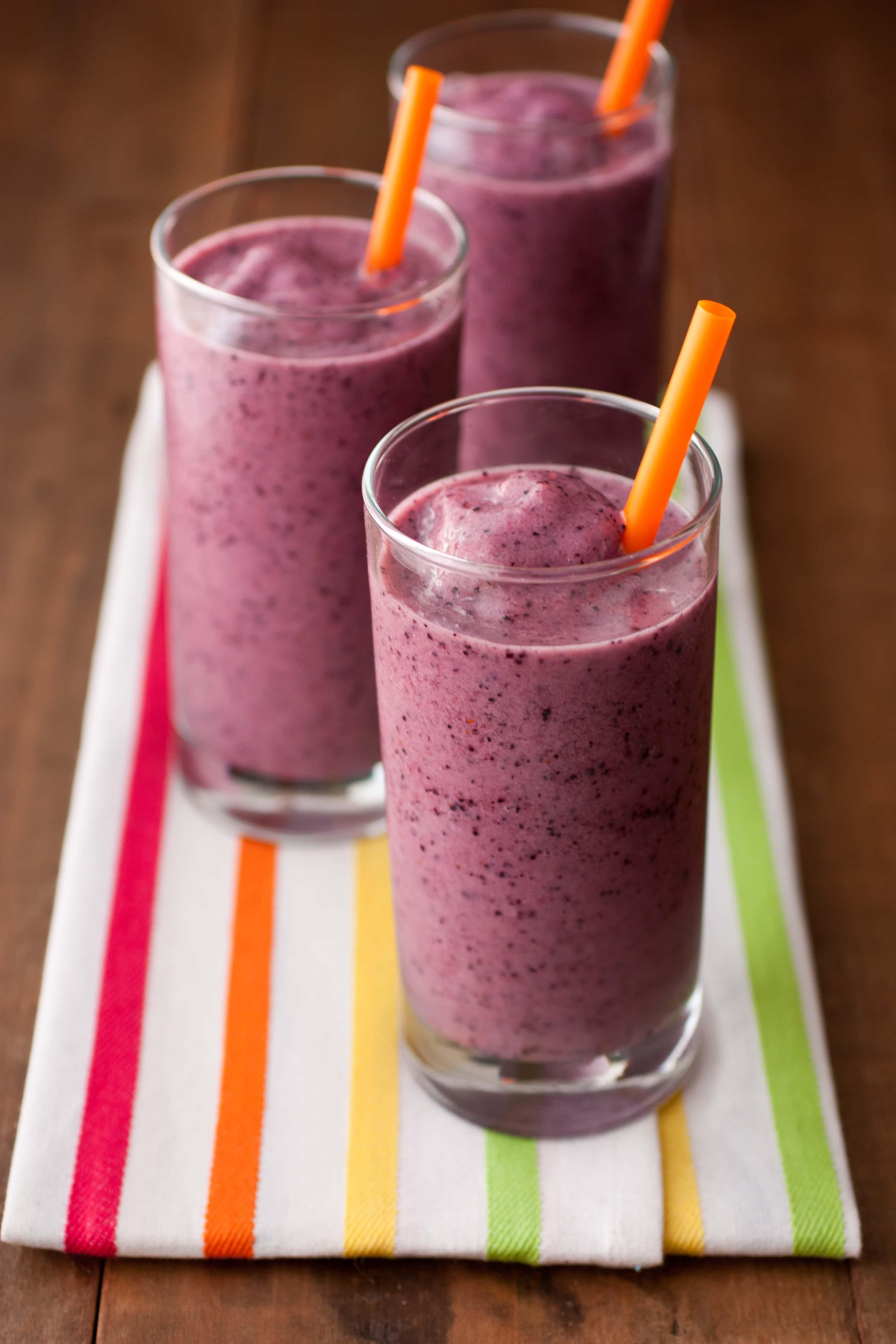 Banana Berry Smoothies {Jamba Juice Copycat} - Cooking Classy