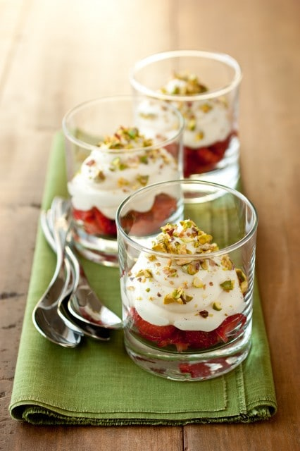 white chocolate mousse with strawberries2