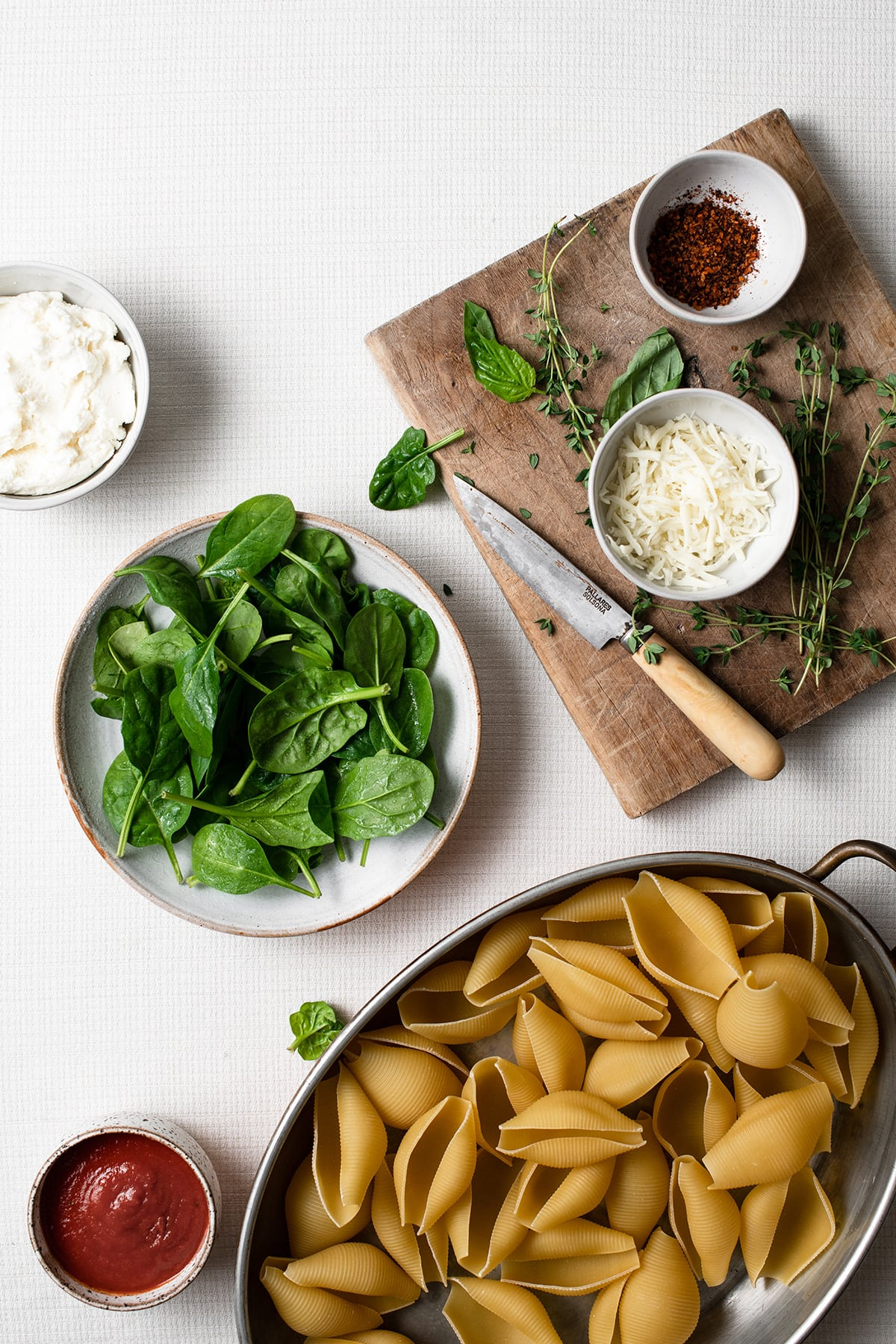 Image of ingredients needed to make stuffed shells.