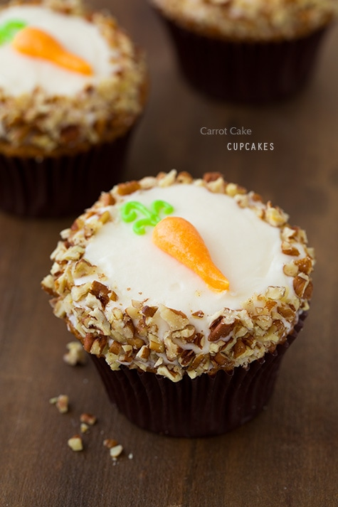 Carrot Cake Cupcakes With Cream Cheese Frosting Carrot cake cupcakes ...
