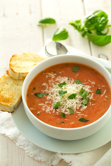 creamy-tomato-basil-soup-with-roasted-garlic-and-asiago-cheese+srgb.