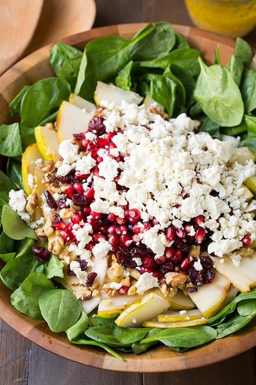 Pear And Brie Salad With Cashews And Dried Cranberries ...
