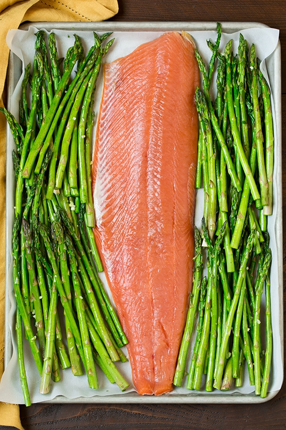roasted-lemon-pepper-salmon-and-parmesan-asparagus2-srgb..jpg