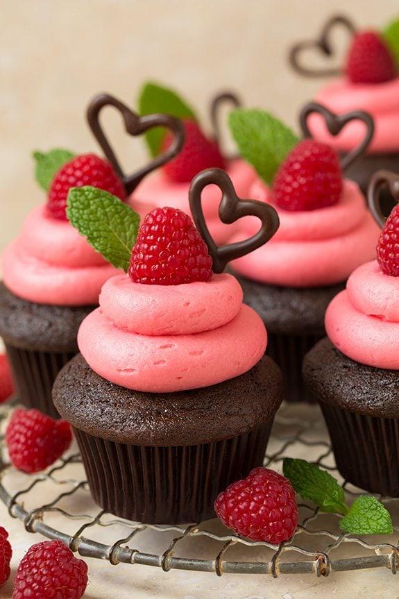 Dark Chocolate Cupcakes with Raspberry Buttercream ...