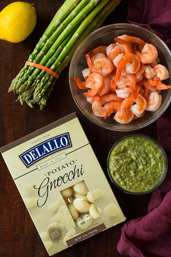 Easy Gnocchi Shrimp and Asapargus with Lemony Pesto