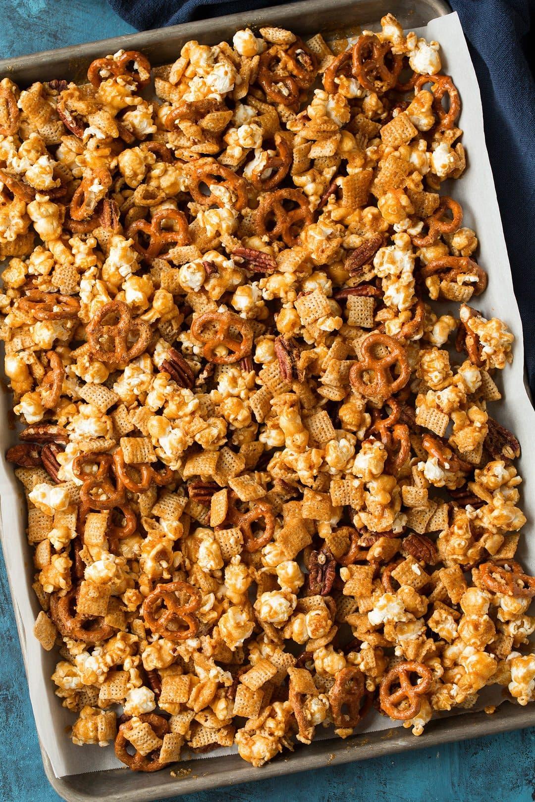 Crunchy Caramel Corn Snack Mix