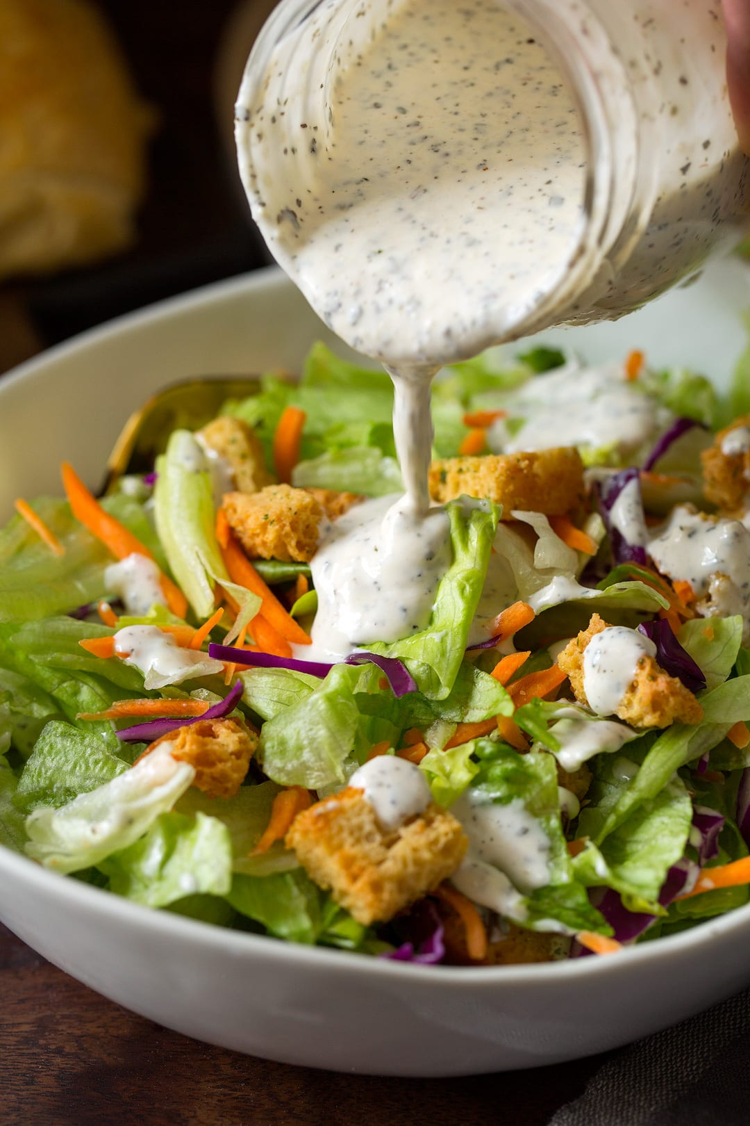 The Old Spaghetti Factory?s Creamy Pesto Salad Dressing