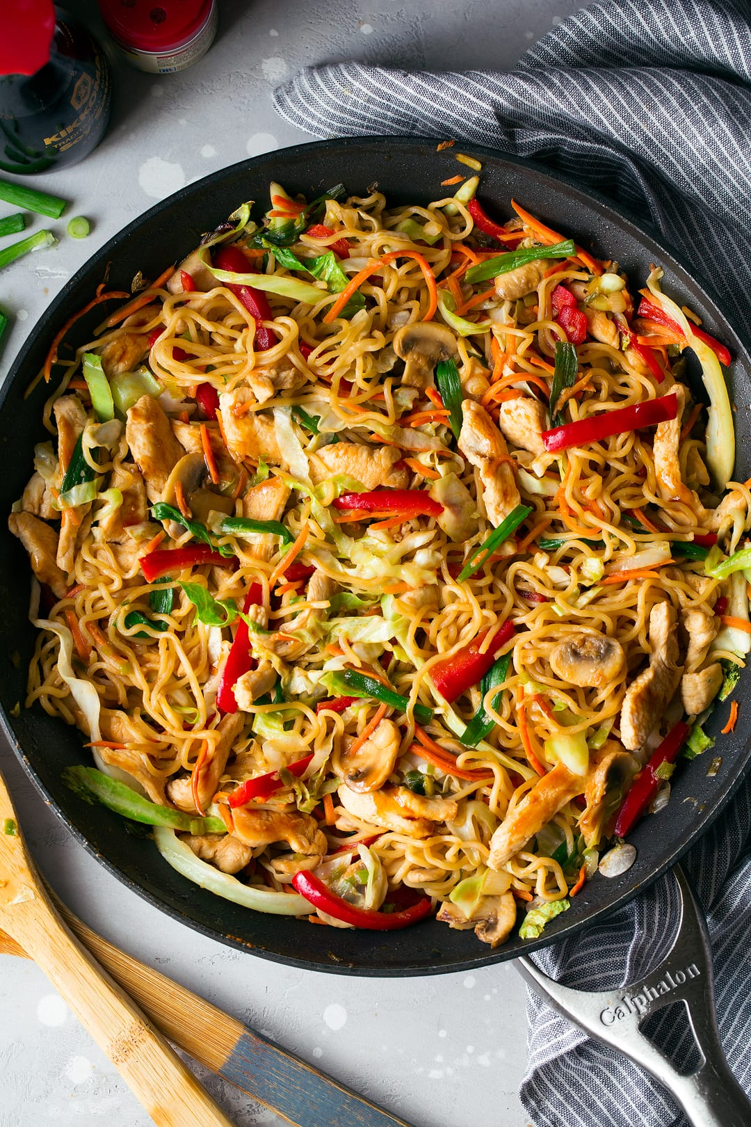 Yakisoba Noodles with Chicken and Veggies
