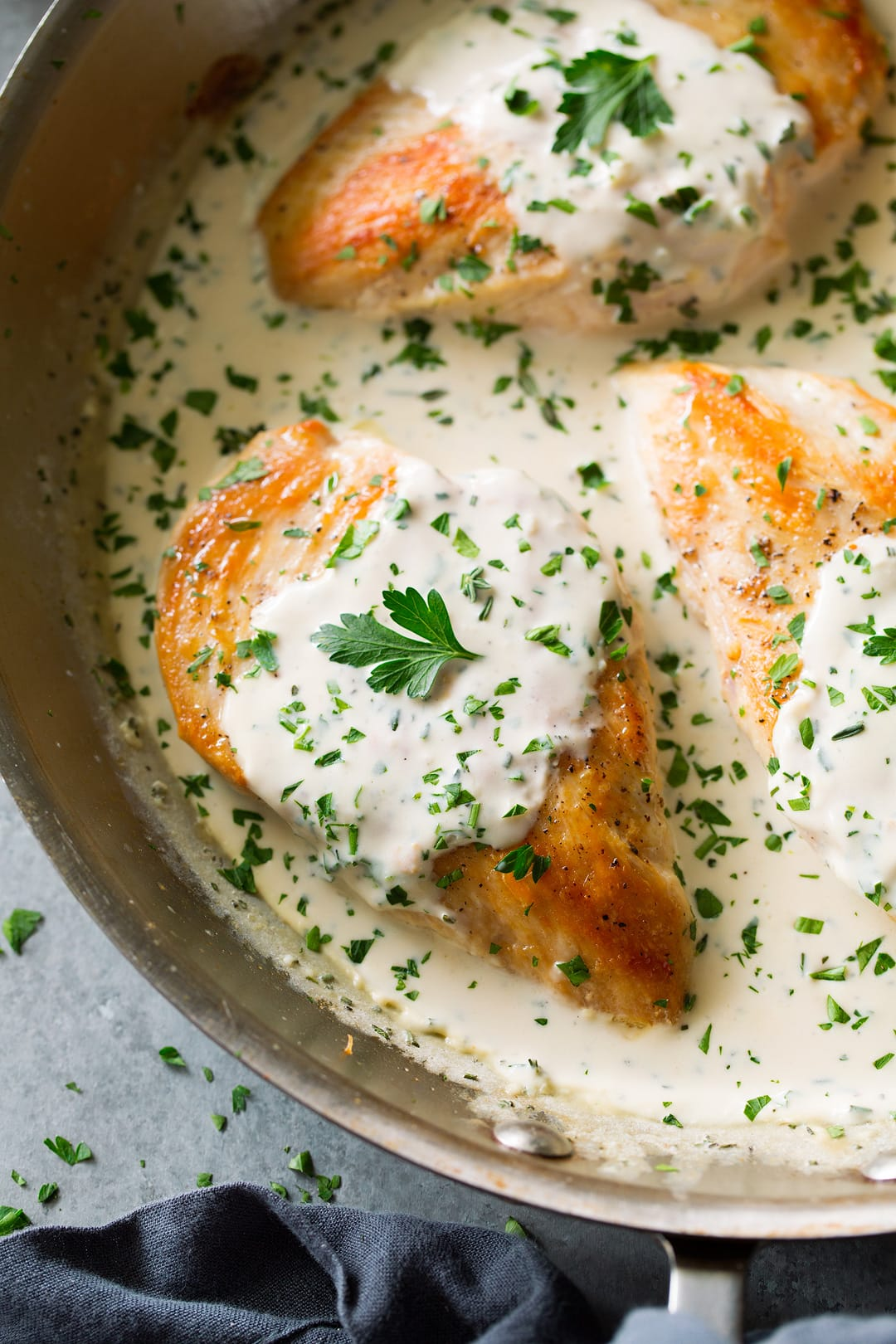 Creamy Garlic Herb Chicken {One Of The Best Easy Chicken