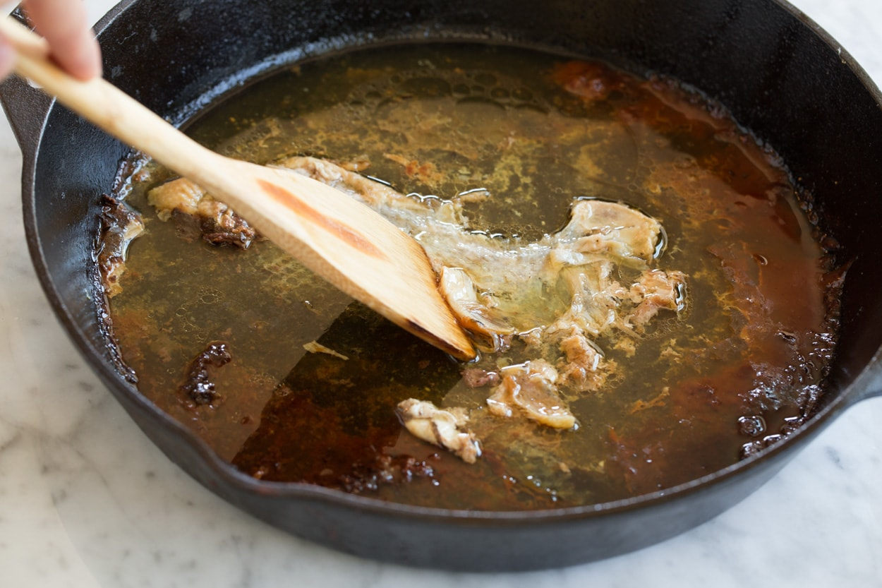 How to make a sauce from chicken pan drippings
