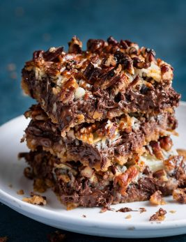 Stack of Magic Bars with 7 layers.