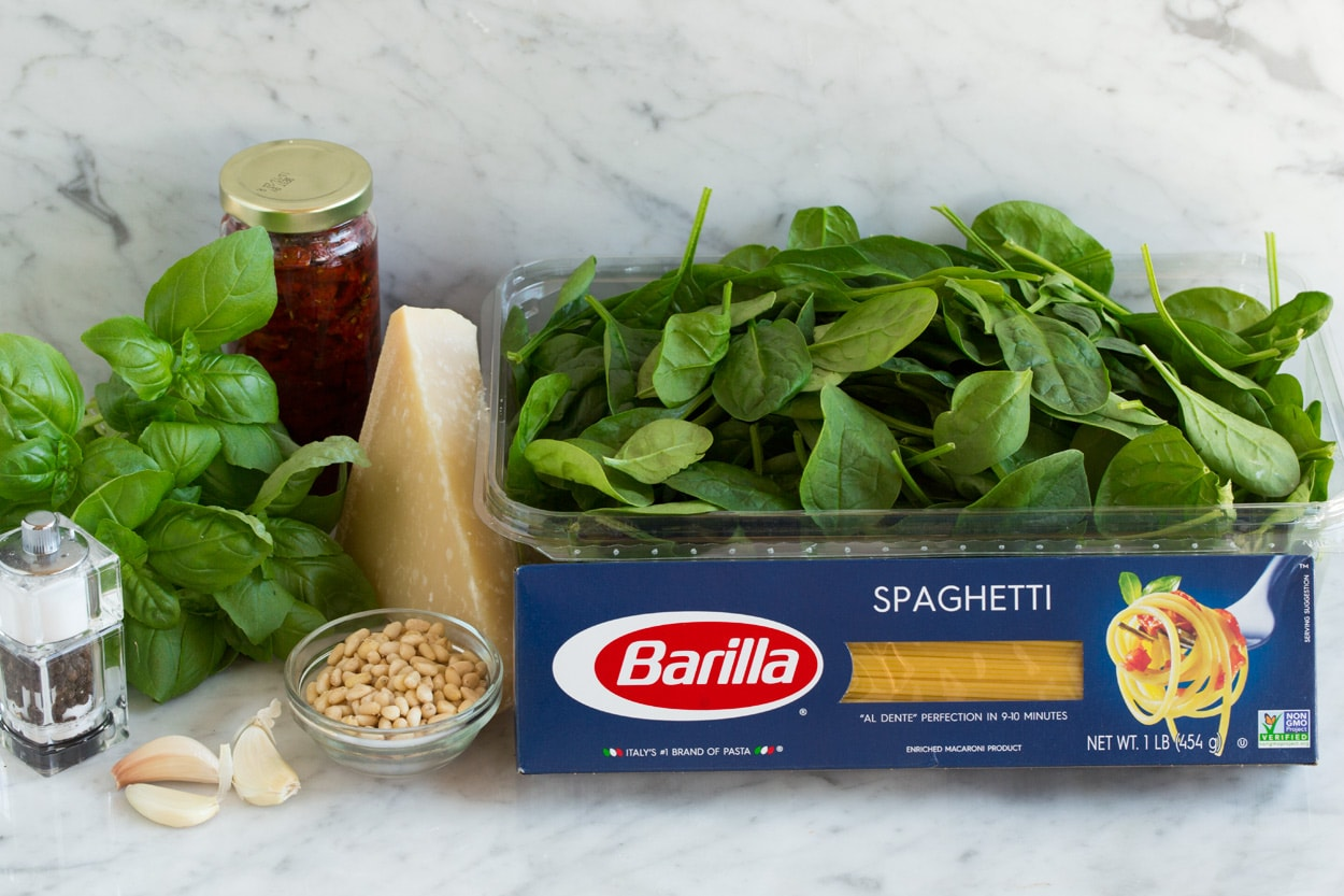 Spaghetti with Sun Dried Tomatoes and Spinach