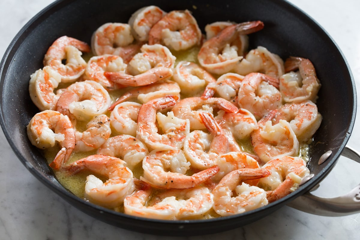 Cooked shrimp in sauce.