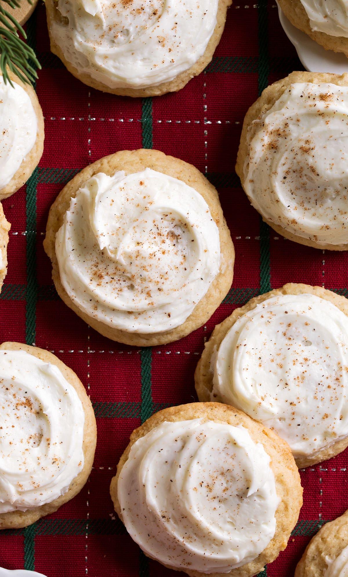 Close up image of eggnog cookies