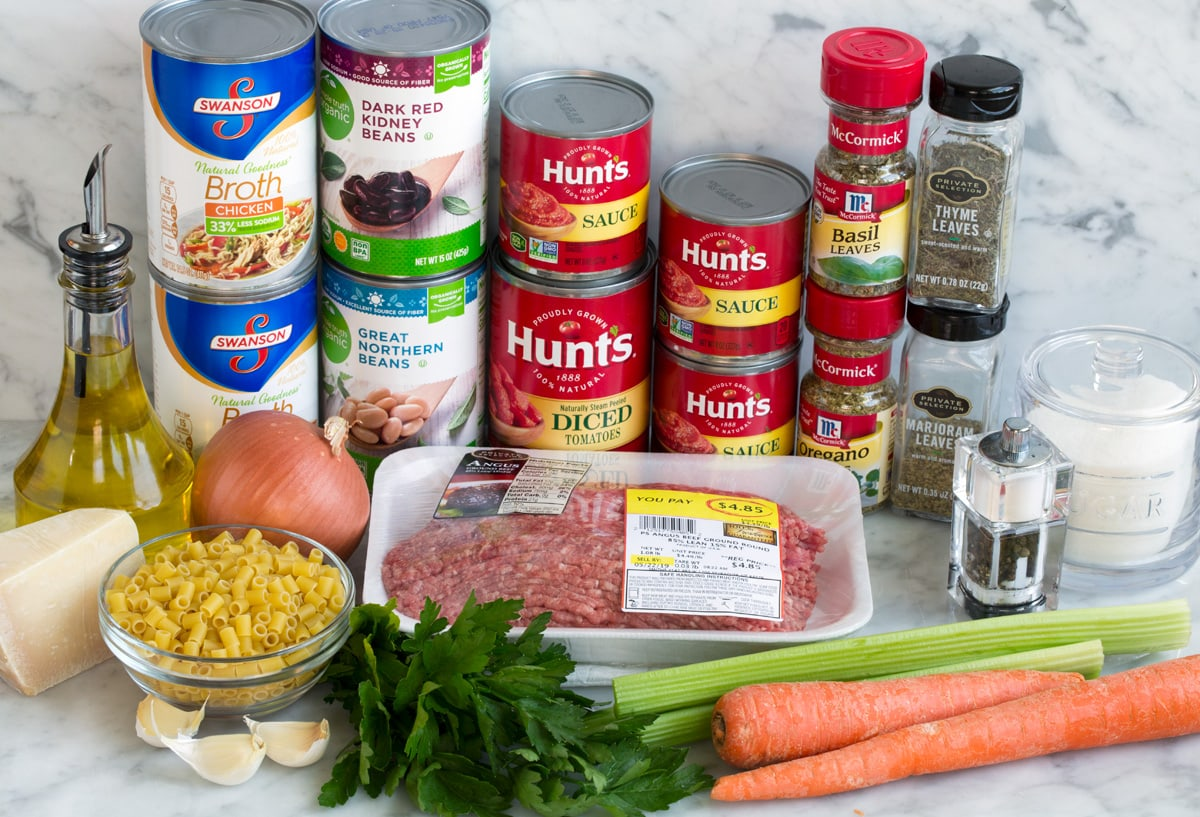Image showing ingredients that go into pasta fagioli soup.